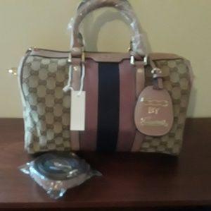 Gucci 500 series purse